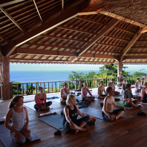bali yoga treat